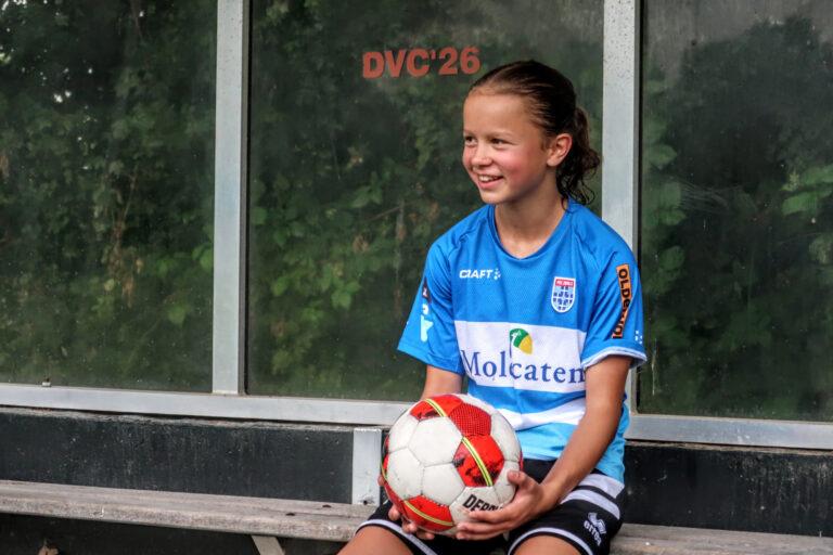 Didams voetbaltalent (13) naar PEC Zwolle Vrouwen