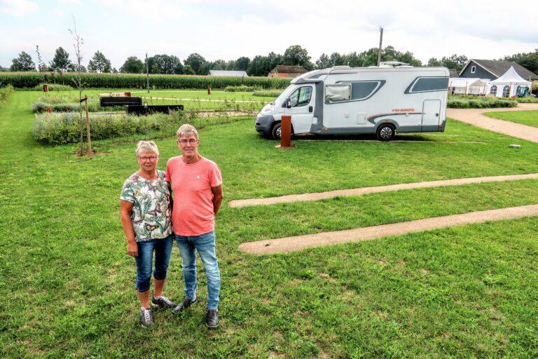 Frans en José hebben nu hun eigen camperpark