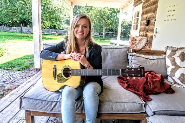 Laura van Kaam slaat haar eigen muzikale weg in